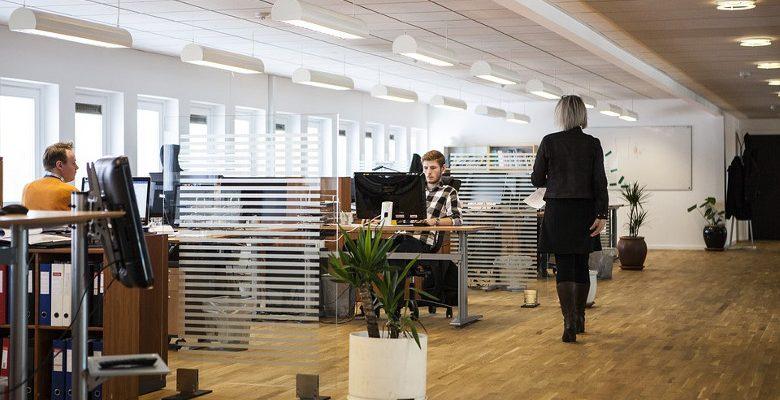 Les critères pour choisir un bureau multimédia ergonomique
